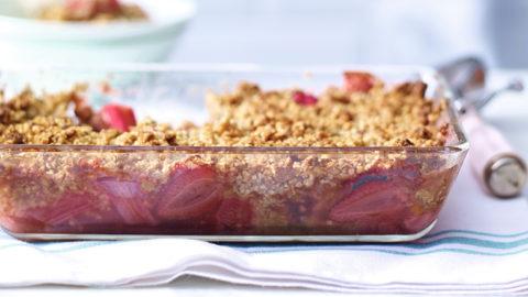 Rhubarb & Strawberry Crumble